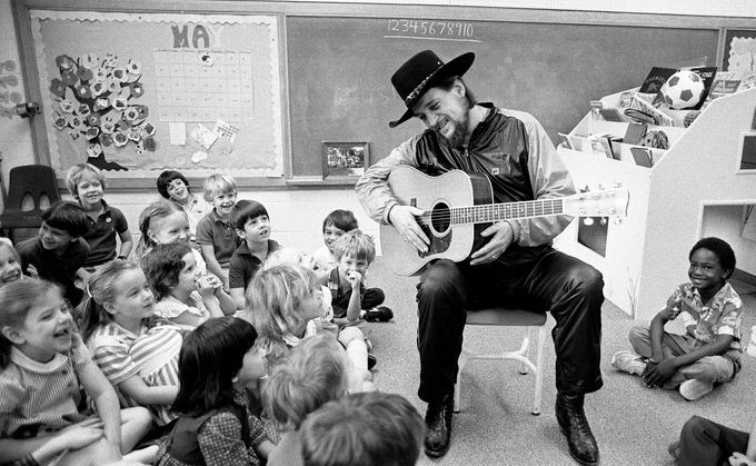 Waylon Jennings Plays for Kids